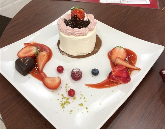 山手調理製菓専門学校のカフェのケーキ1